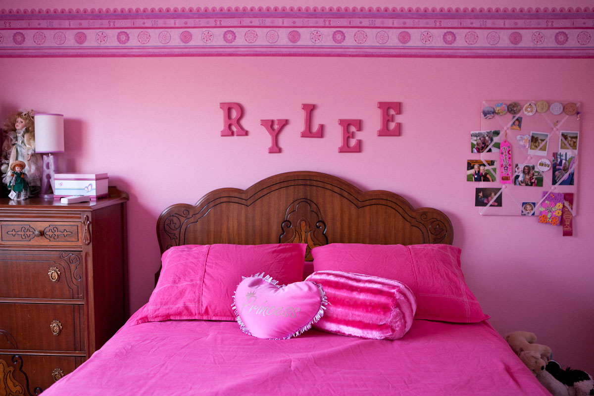 PInk girls bedroom princess quirky Americana reportage by photographer Anthony Georgis | www.anthonygeorgis.com
